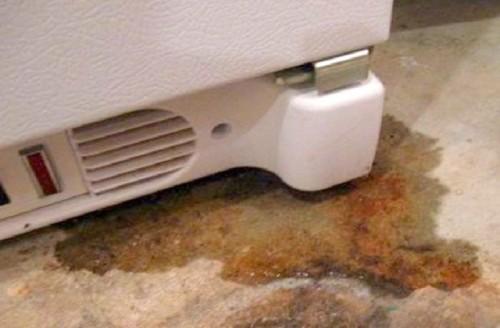 Hướng dẫn sửa tủ lạnh bị rò rỉ nước